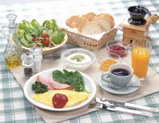 朝から食べすぎたりバランスがよすぎると、消化に相当エネルギーを消耗してしまう