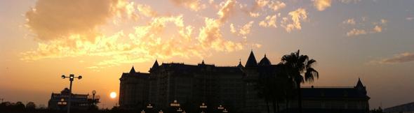 ディズニーランドの夕陽